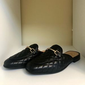 NWOT Browns Couture Leather Quilted Slippers